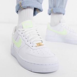 Nike Air force 1 '07 fluro trainers